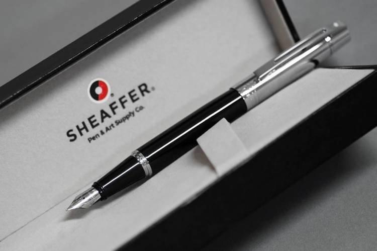 9314 PN Pióro wieczne Sheaffer kolekcja 300, czarne, wykończenia chromowane