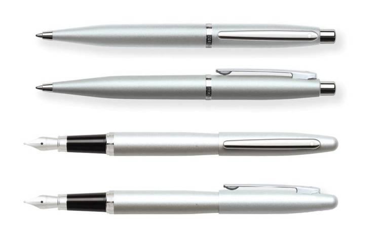 9400 Zestaw (pióro wieczne i długopis) Sheaffer VFM, srebrny, wykończenia niklowane